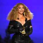 My Celebrity Life – Beyonce sent Taylor Swift a handwritten note and flowers Picture Getty